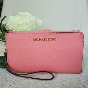 NWT Michael Kors Double Zip Wristlet wallet pink